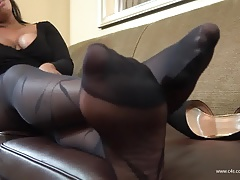 Nishay Dark-hued  Shoeplay..